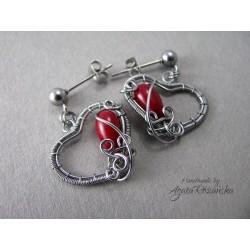 Małe kolczyki serca z Koralem czerwonym