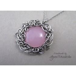 Wisiorek z Jadeitem różowym, wire wrapping