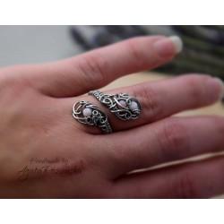 Pierścionek regulowany z opalem różowym, wire wrapping