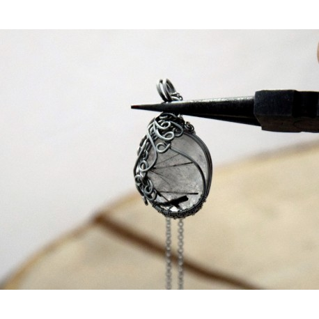 Wisiorek Kwarc z turmalinem, wire wrapping