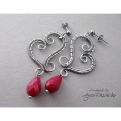 Kolczyki serduszka z czerwonym Jadeitem