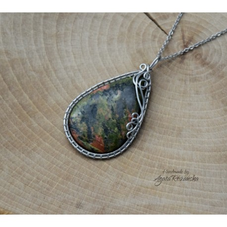 Wisiorek unakit, wire wrapping