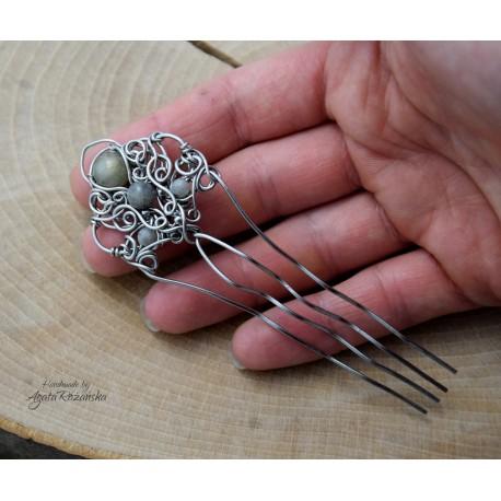 Grzebień do włosów z labradorytami, wire wrapping