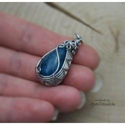 Wisiorek  niebieski apatyt, wire wrapping