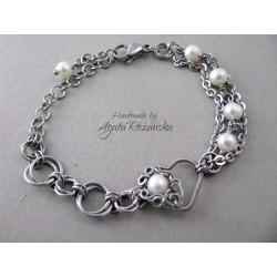 Elegancka bransoletka serce z perłami