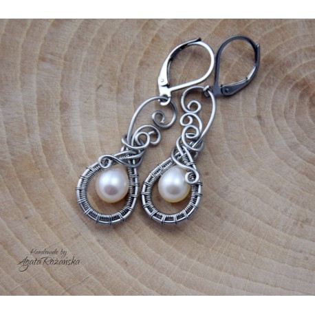 Kolczyki z perłami słodkowodnymi, wire wrapping, stal chirurgiczna