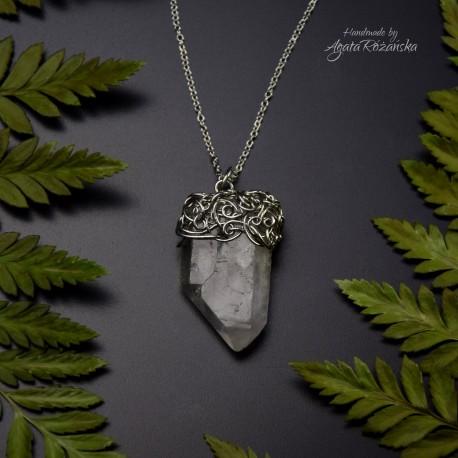 Wisiorek talizman kryształ górski VI