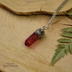 Wisiorek talizman czerwony kryształ górski barwiony