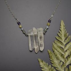 Naszyjnik z trzema soplami polerowanych kryształów górskich, agat mszysty, angelit, opal żółty, ametyst,