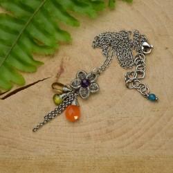 Wisiorek kwiatek, ametyst, karneol, peridot, kwarc piwny, wire wrapping