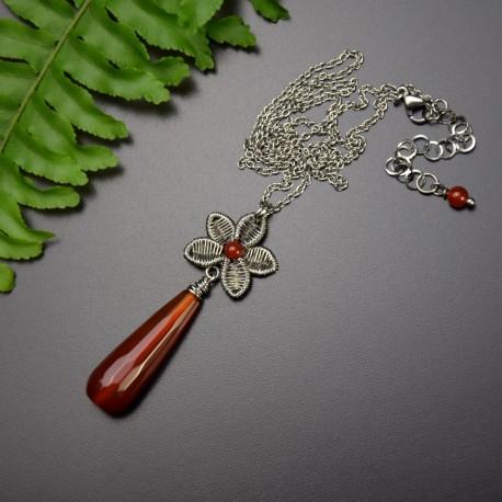Wisiorek kwiatek, karneol, wire wrapping