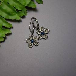 Kolczyki kwiaty z niebieskimi agatami brazylijskimi, wire wrapping