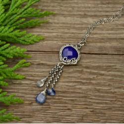 Niebieski wisiorek z lapis lazuli kyanit i kwarc wire wrapping